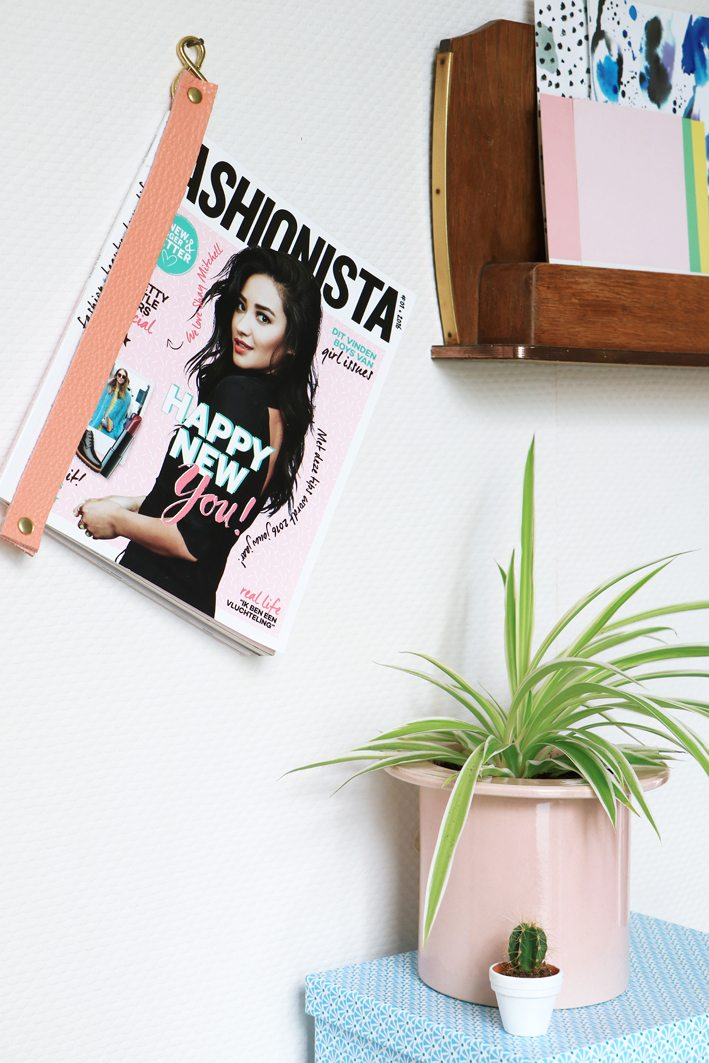 diy leather magazine hanger