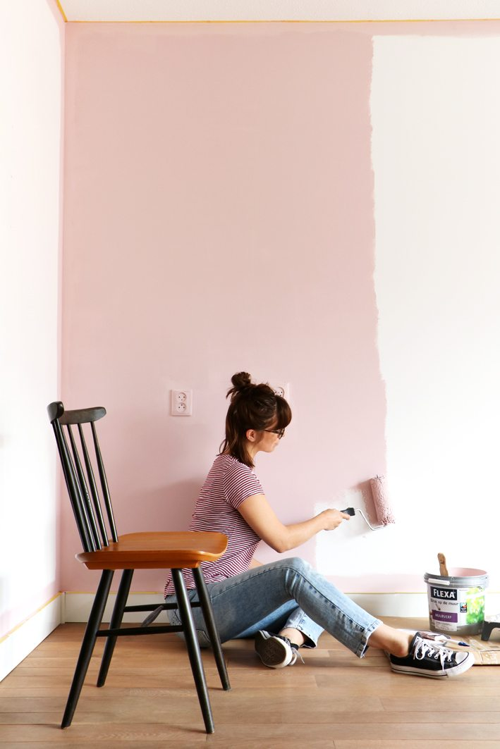 pink wall livingroom