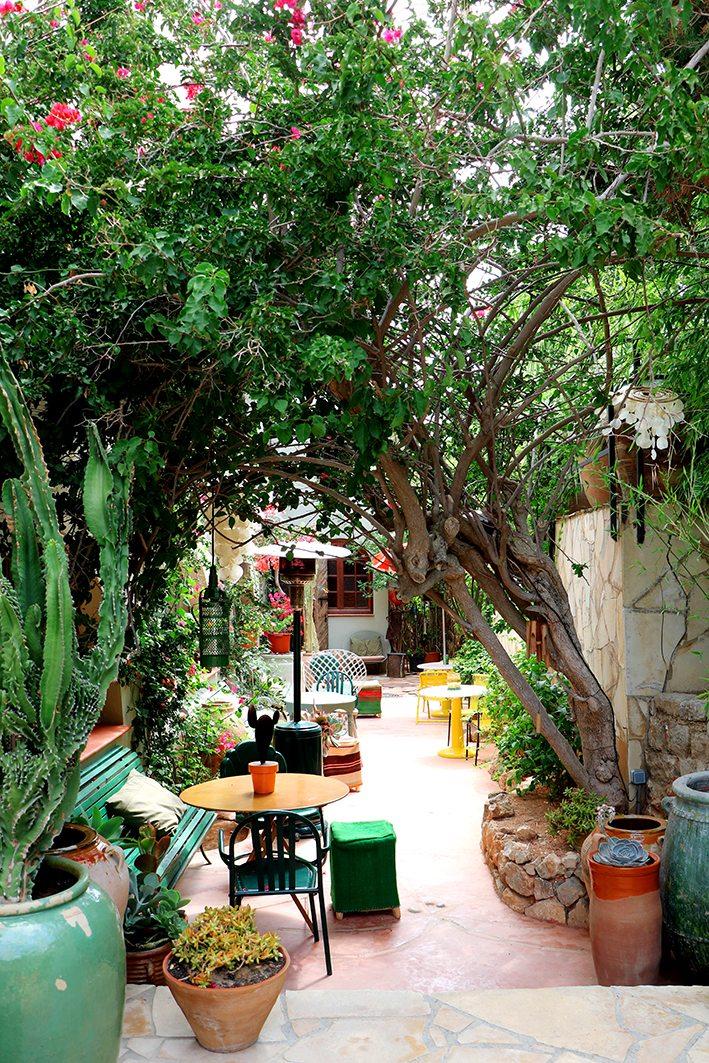Los Enamorados garden