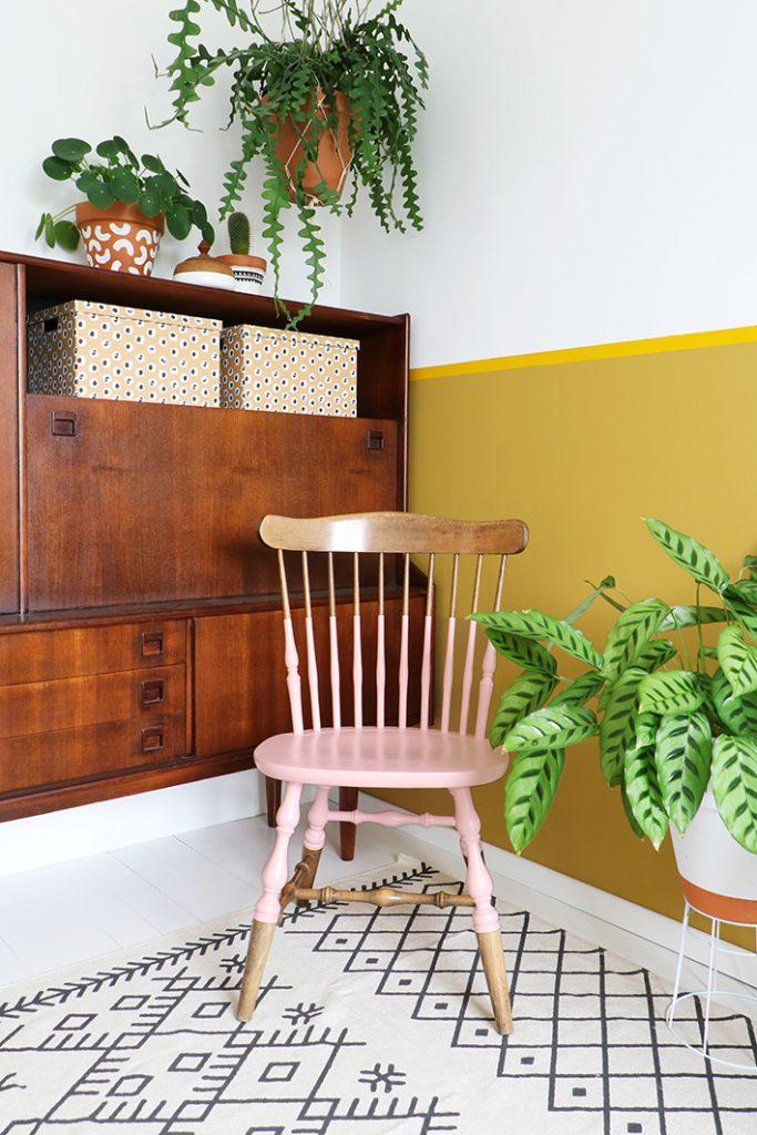 vintage stoel geverfd