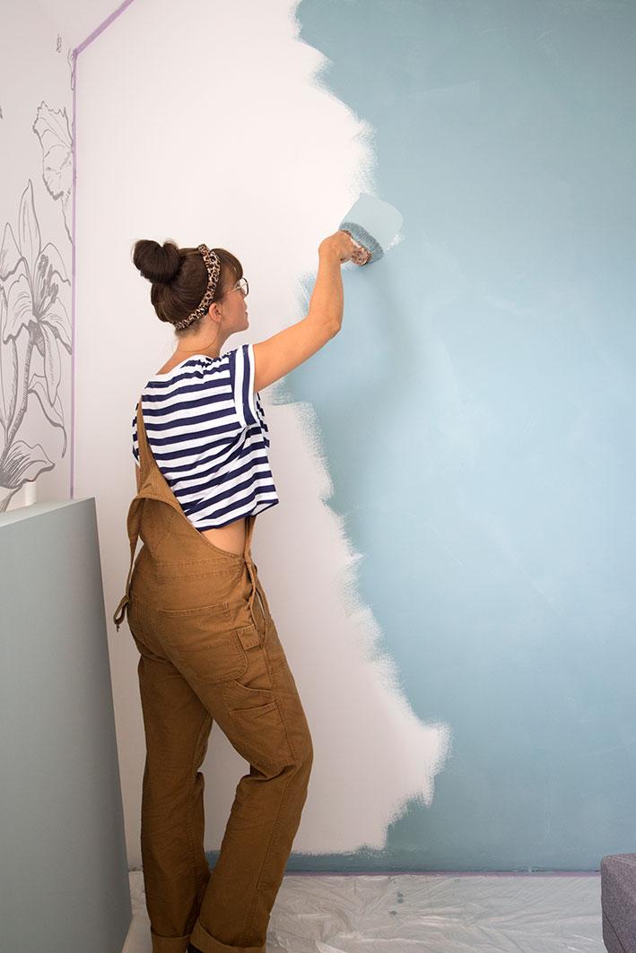 krijtverf op de muur aanbrengen