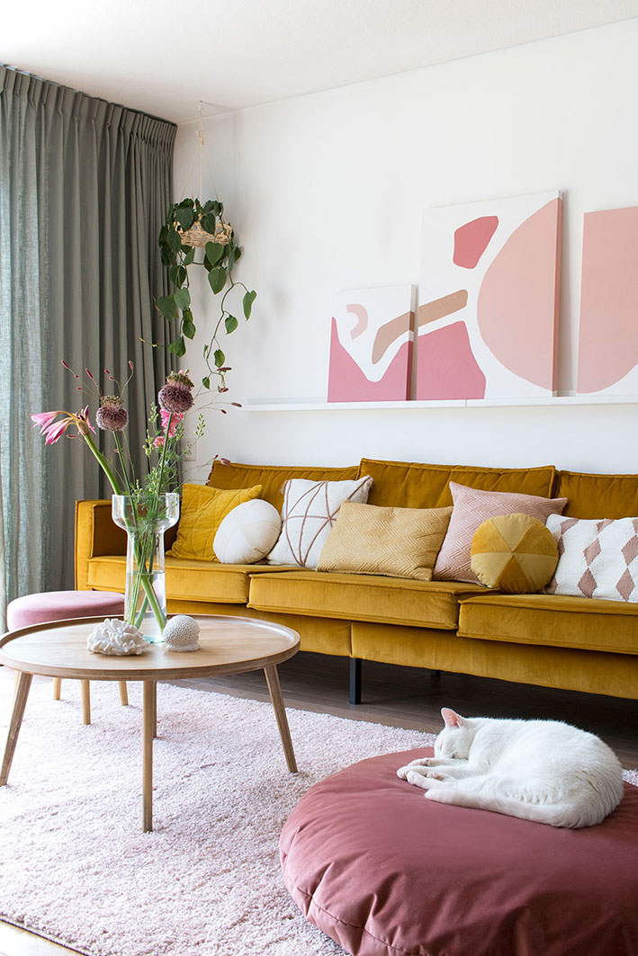 Interieur musthave it starts with pink enter my attic for Okergele bank