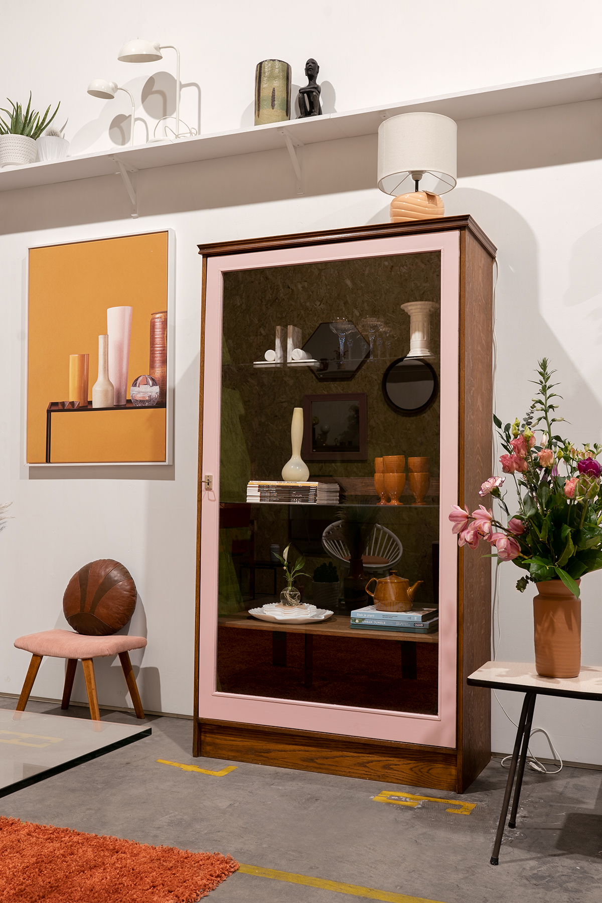 houten vitrinekast