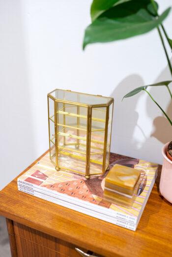 vintage vitrinekastje