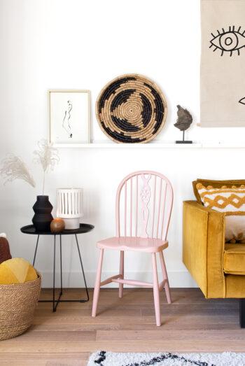 vintage stoel lichtroze