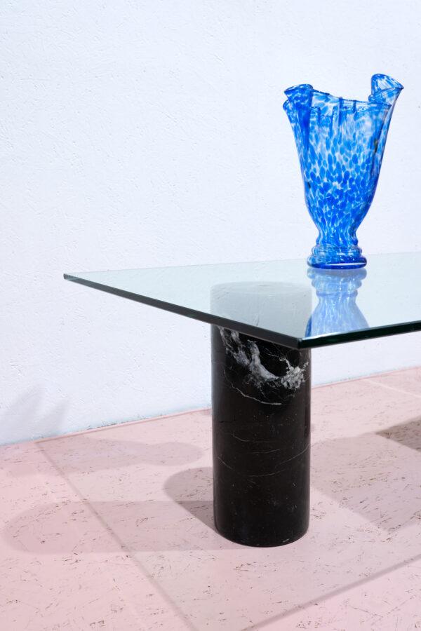 glazen salontafel met marmeren voet