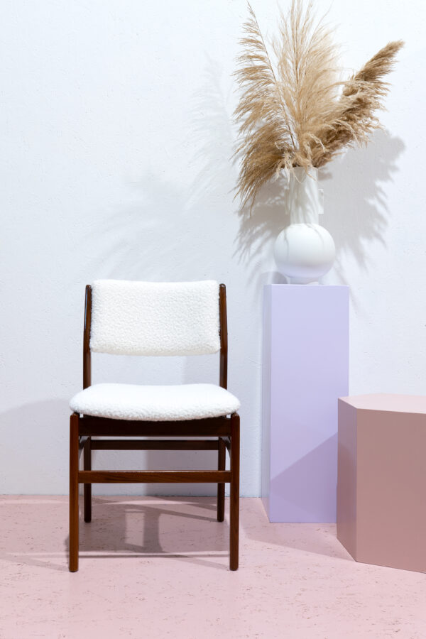 vintage stoel met teddy bekleding